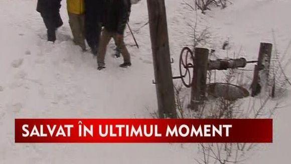Batranii bolnavi zac in casele blocate de urgia zapezilor!VIDEO