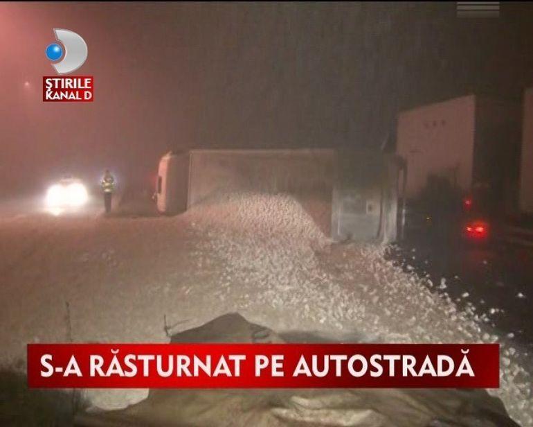 Un tir s-a rasturnat pe autostrada din cauza cetii VIDEO