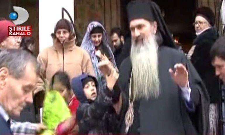 Circ in fata Catedralei din Constanta VIDEO