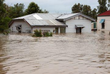 VIITURILE AU FACUT VICTIME IN GALATI! Sapte morti, un disparut, peste 700 de case sunt inundate