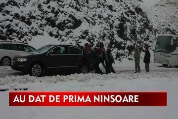 Prima ninsoare pe Transfagarasan i-a luat prin surprindere pe turisti!