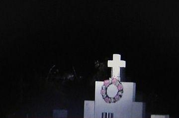 Aparitii stranii intr-un cimitir! Fiinte misterioase au pus pe jar localnicii