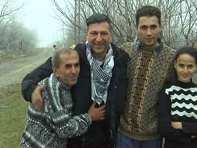 Nea' Constantin, unul dintre muncitorii romani sechestrati in Libia, a tinut ca echipa Kanal D sa ii fie alaturi de Ignat!