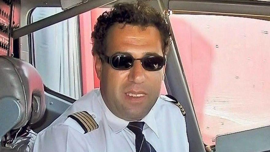 Cine e Adrian Iovan, omul care a reusit sa aterizeze, in varful muntilor cu toti pasagerii in viata!