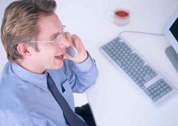 De ce barbatii ar trebui sa petreaca mai multe ore la serviciu