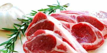 Pericol urias in toata Romania! Tone de carne stricata s-ar putea afla in magazine, la vanzare!