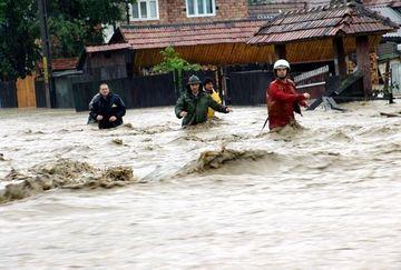 COD PORTOCALIU si GALBEN de inundatii in tara. Vezi ce judete vor fi afectate!