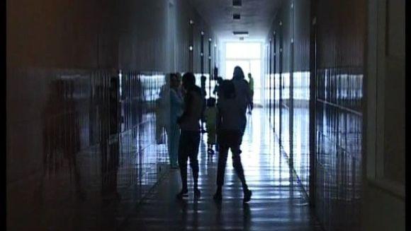Judecatorii au decis pedeapsa pentru asistenta maternala care a chinuit si schilodit pe viata niste bieti orfani!