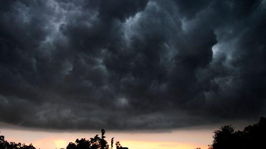 AVERTIZARE METEO: COD GALBEN de ploi si vijelii. Vezi zonele vizate