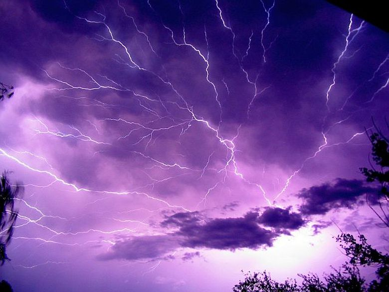 AVERTIZARE METEO: COD GALBEN de ploi in 20 de judete! Vezi ce zone sunt afectate