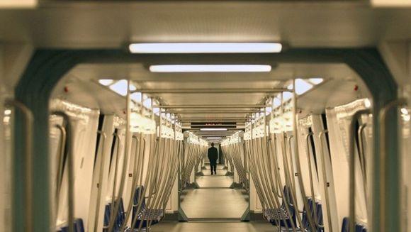 Panica la metrou! 3 morti si 50 de raniti, dupa ce trei vagoane au deraiat