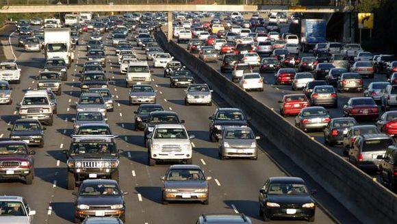 Trafic intens pe DN1 si Autostrada Soarelui. Vezi recomandarile politistilor pentru soferi!