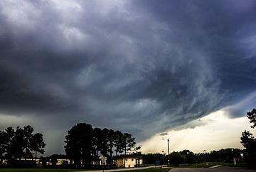 AVERTIZARE METEO: Vin ploi si vijelii! Vezi ce zone sunt vizate