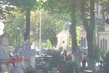 PRIMELE IMAGINI de la inmormantarea lui Patriciu! Rudele si apropiatii magnatului au plans in hohote! Vezi aici, pas cu pas, tot ce s-a intamplat in cimitirul Bellu!