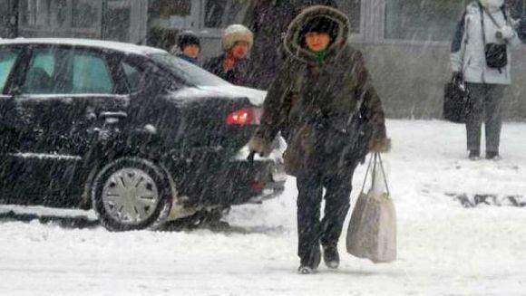 PROGNOZA METEO: Se asteapta ploi si burnite in Bucuresti. Echipele Apa Nova, mobilizate pentru rezolvarea problemelor
