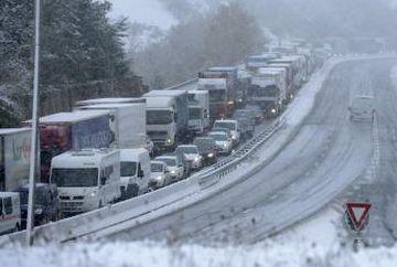 TRAFIC INGREUNAT pe DN1: Se circula cu viteza redusa pe mai multe tronsoane intre Bucuresti si Brasov. Ce le recomanda politistii soferilor