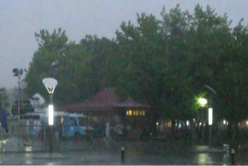 Capitala, cuprinsa de o furtuna violenta!