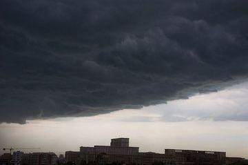 Avertizare meteo: furtuni, ploi si vijelii in intreaga tara! Vezi de cand se strica vremea