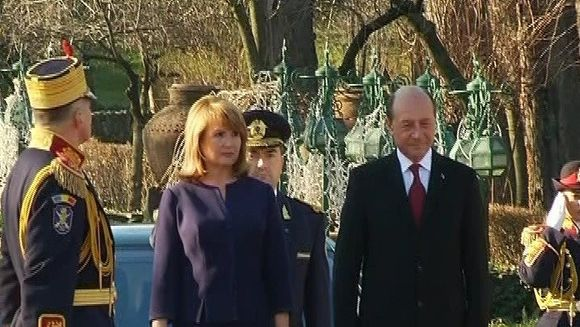 Fostul presedinte Traian Basescu da explicatii in legatura cu animalele din curtea sa!