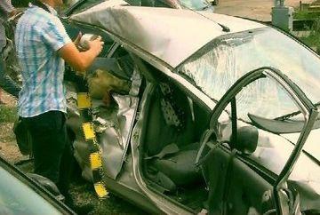 Imaginile cutremuratoare dupa accidentul cumplit in care un tren a lovit o masina