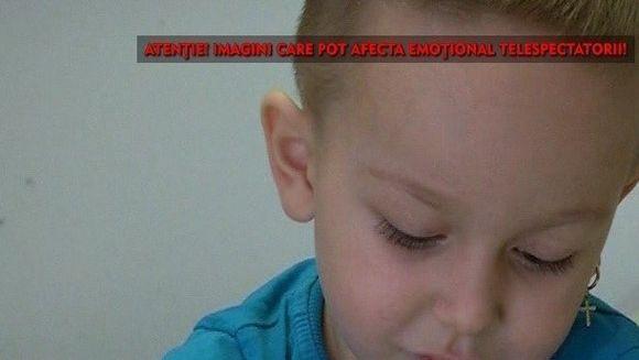 Un baietel din Craiova are nevoie de ajutorul nostru! La 4 ani, Edi nu se poate deplasa decat de-a busilea