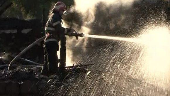 Un incendiu devastator a lasat 7 familii fara agoniseala de-o viata!