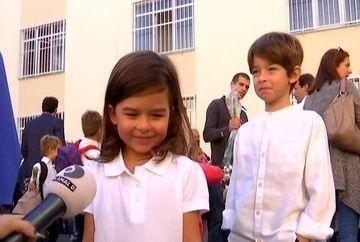 A sunat primul clopotel pentru bobocii care anul acesta fac cunostinta cu scoala!