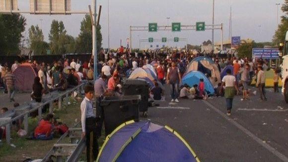 Criza refugiatilor duce la proteste in Serbia si provoaca si tensiuni intre Romania si Ungaria!