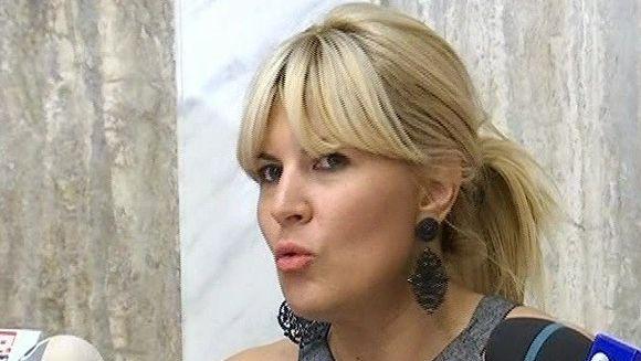 Cum reuseste Elena Udrea sa fie cu un pas inaintea tuturor!