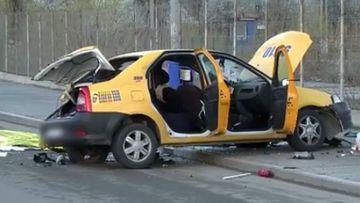 GRAV accident de circulatie in aceasta dimineata, in Bucuresti! O femeie de 37 de ani a murit pe loc dupa ce taxi-ul in care era s-a rasturnat