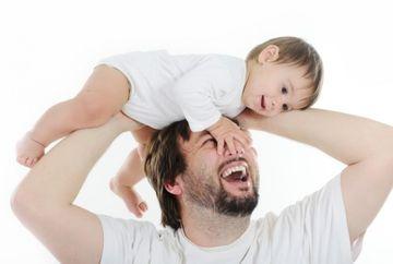 INCREDIBIL! Cum influenteaza VARSTA TATALUI aspectul fizic al viitorilor sai copii