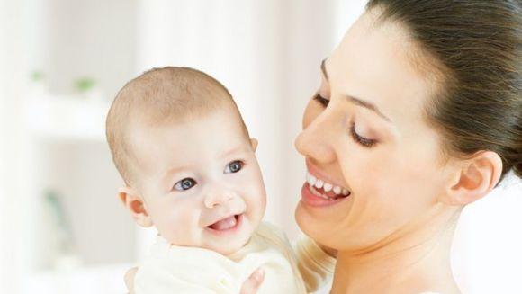 UIMITOR! Cercetatorii au descoperit prin ce metoda pot alunga mamicile depresia postnatala
