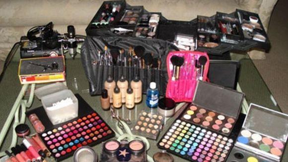 SECRETELE MURDARE ale industriei de produse cosmetice. Topul celor MAI DEZGUSTATOARE INGREDIENTE
