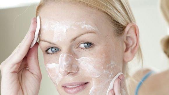 Afla cum iti protejezi pielea pe timp de canicula!