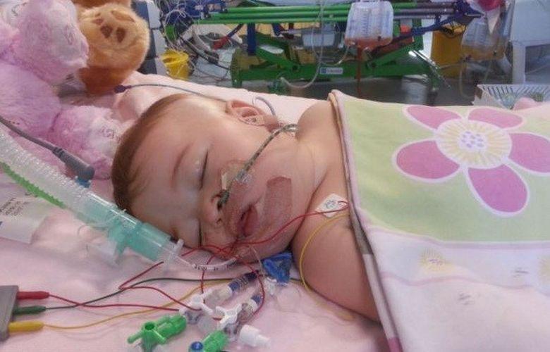 Un bebelus a uimit lumea medicala! A facut de trei ori infarct in decurs de numai o saptamana