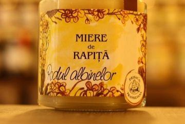Adevaratul motiv pentru care mierea de rapita este cea mai cautata! Uite ce proprietati umitoare are!