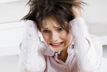 Motivele pentru care femeile sunt nervoase zece zile pe an