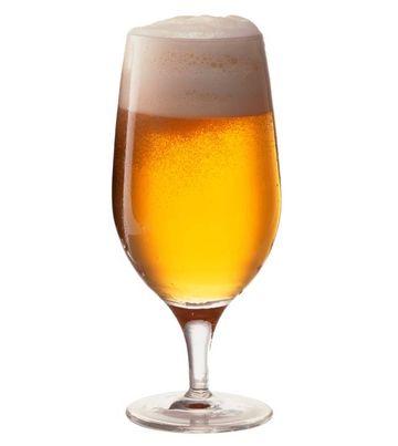 Stii cum sa bei responsabil? Forma paharului influenteaza viteza cu care bei. Uite ce pahar trebuie sa alegi