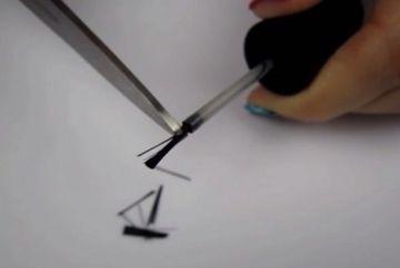 VIDEO: A taiat cu o foarfeca pensula de la oja! Motivul este genial