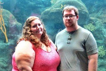 Erau extrem de grasi si sufereau de obezitate morbida, dar au reusit sa slabeasca 140 de kilograme intr-un an, desi au mancat in continuare pizza si fast food! Trebuie sa vezi cum au reusit acest lucru si cum arata acum