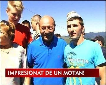Cu ce s-a ales Traian Basescu de la targul de fete de pe Muntele Gaina VIDEO