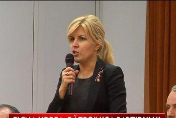 Elena Udrea, primita cu brate de flori de membrii partidului PDL VIDEO