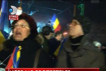 REINCEP PROTESTELE? Mai multi demonstranti s-au strans in Piata Universitatii VIDEO