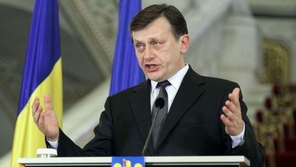 Crin Antonescu cere procurorului general sa explice public anchetele privind referendumul