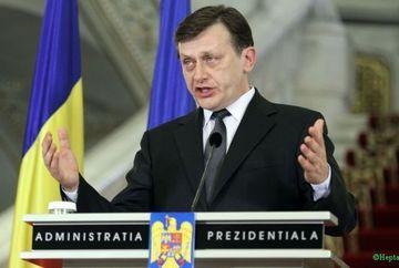 Crin Antonescu a promulgat legea de modificare a Legii referendumului