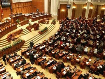 Parlamentarii vor fi alesi prin vot uninominal pur. Pragul electoral a fost eliminat VIDEO