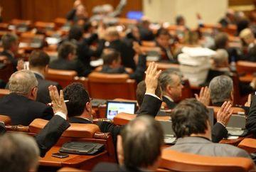 SESIUNE EXTRAORDINARA a Senatului privind reducerea CAS. Vom plati contributii mai mici la bugetul de Stat?