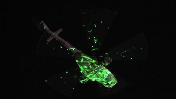 PROVOCAREA ZILEI. Ce crezi ca se intampla cu elicopterul din imagine? FOTO