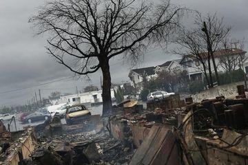 40 de morti la New York in urma ravagiilor uraganului Sandy