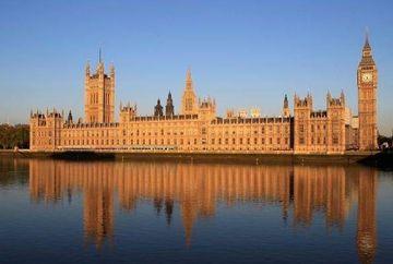 Criza SE ADANCESTE? Britanicii inchid celebra cladire a parlamentului din Londra